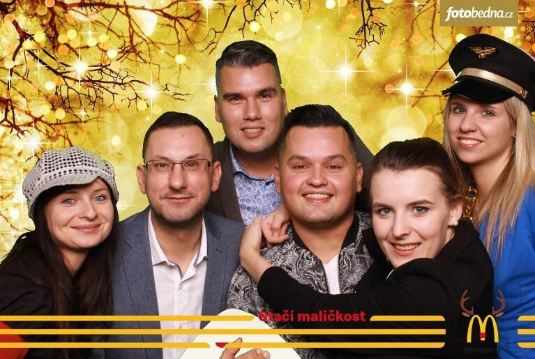 Vánoční večírek McDonald's 2018